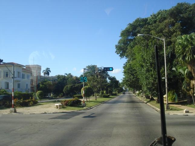 Avenidas largas e modernas