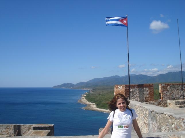 Eu , o mar, a fortaleza e a bandeira de Cuba