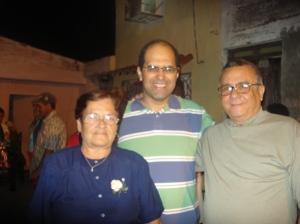 Carlos e os dois representantes , um do CDR e outro do PCC