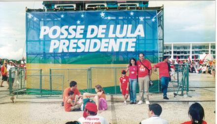 1º de Janeiro de 2003 - posse do Lula - Eu , Carlos e João ainda pequenino